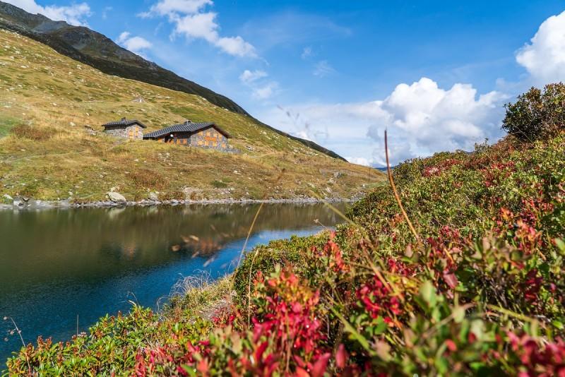 800x600_lac-du-lou-et-son-refuge-automne-vincent-lottenberg-30385-5625309-5633850