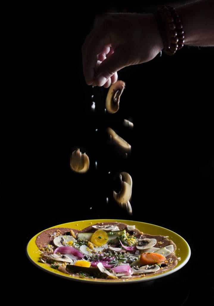 Carpaccio de Boeuf, huile de noisette,Parmiggiano Reggiano & condiments